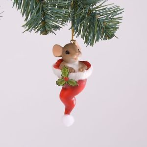 New in Box Charming Tails Just Hat To Wish You Hanging Christmas Ornament