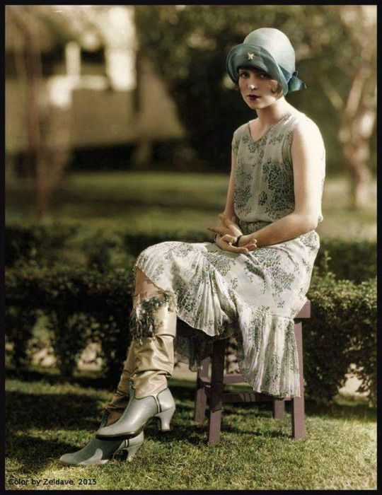 Clara Bow. (colorized)