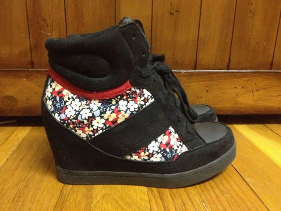 Charlotte Russe Wedge High Top Sneakers Lace-Up Floral Multi-Color Size 6   #CharlotteRusse #PlatformsWedges #Casual