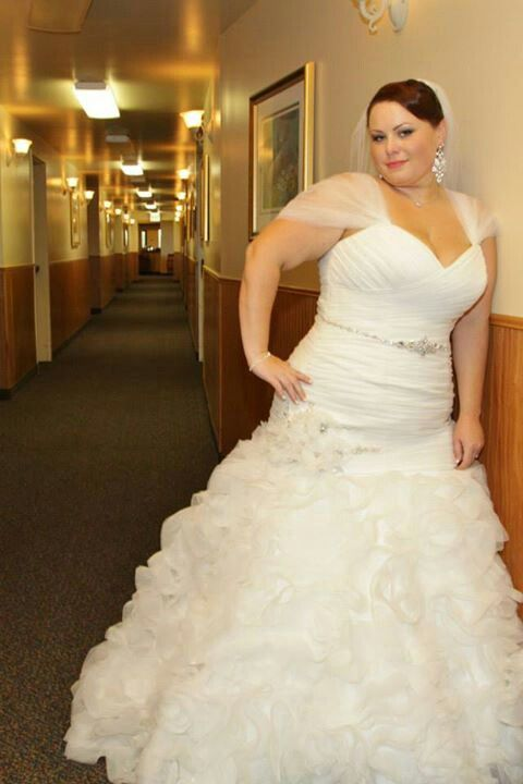 Plus size wedding maggie sottero and monet on pinterest for Hawaiian wedding dresses with sleeves
