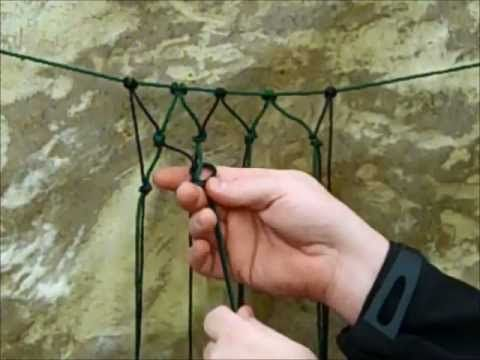 DIY Simple Mesh Net. Why do I need to know this? Other than for good out door survival skills, I want to make hot air balloon decorations and a mesh net over the balloon would look awesome! Haha... This is easy and simple. Just what I needed.