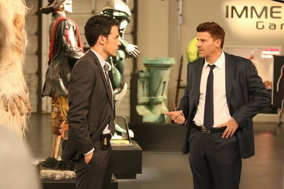 BuddyTV Slideshow | 'Bones' Episode 10.4 Phtotos: Hunting for the Murderer of a Gaming Geek