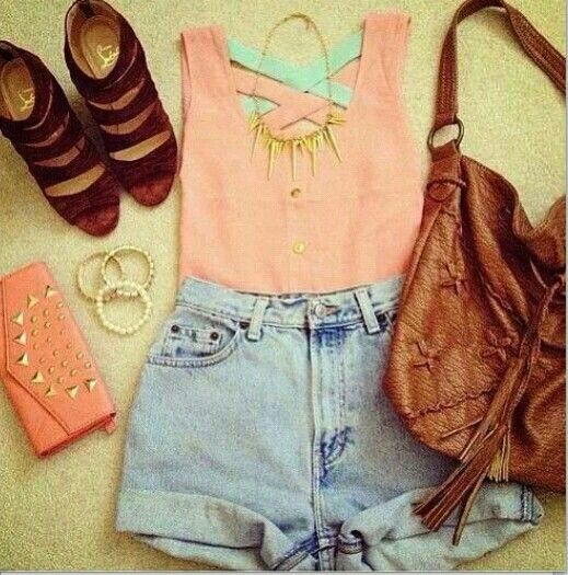 I would go to the fair or beach with this outfit!