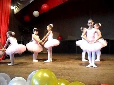 Raiane e amigas - Ballet Colégio Rita de Cássia