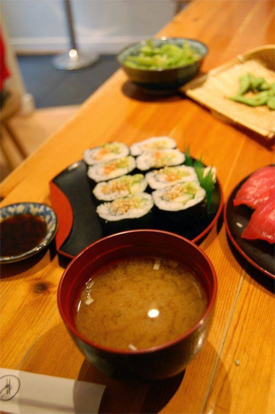 Edamame japanese restaurant in Oxford. Tasty miso soup and maki!