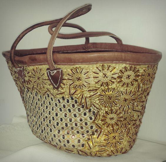 Borsa di paglia in damascato. Misure: 48x29x13 Straw bag damask Measures: 48x29x13