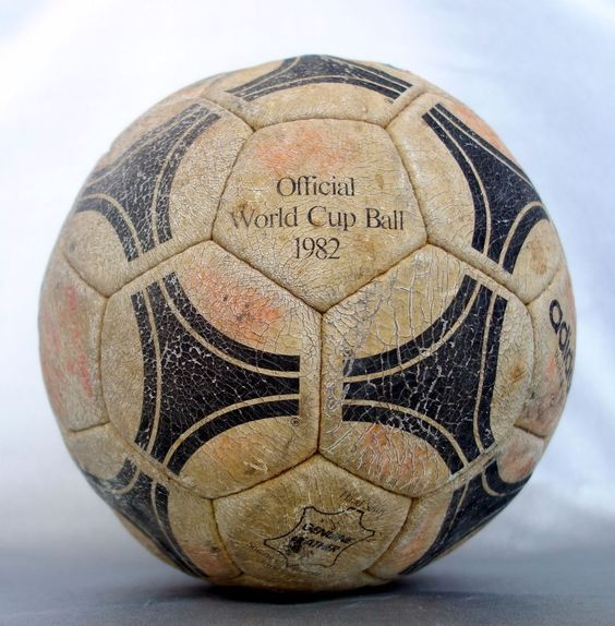 Original ADIDAS ESPANA soccer ball Italy vs Brazil 1982 Spain FIFA World Cup