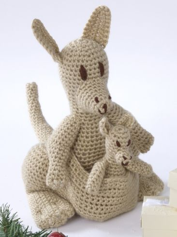 Kangaroo Pouch Knitting Pattern : Mama Kangaroo & Joey Yarn Free Knitting Patterns Crochet Patterns ...