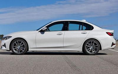 B M W Motors Luxe Cars And Products New Bmw 320i 2020 Photos Prices And Equipment In 2020 Bmw New Bmw Bmw Motors