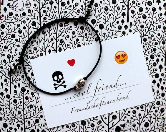 """""""cool+friend""""+-+Freundschaftsarmband+Totenkopf+von+PERSICO+-+Glasperlenschmuck+auf+DaWanda.com"""