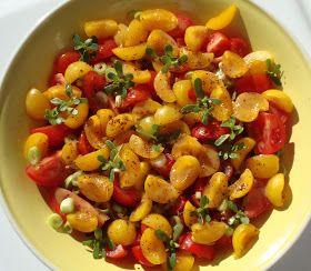 Cooketteria: Tomaten-Mirabellen-Salat mit Sesamdressing