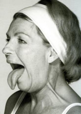 Gymnastique faciale en 4 gestes - double menton
