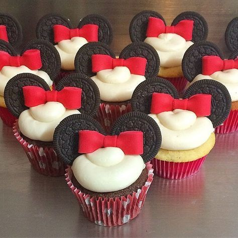 Your Inner Child Will Go Wild For These Disney Cupcakes: If you checked out these stunning Disney wedding cakes, then you already know you can embrace your Disney obsession in a classy, adult way.