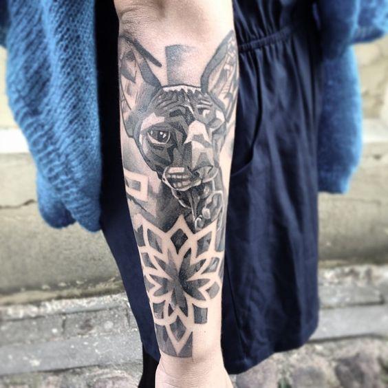 #royalsnappingartists #tat #tattoo #tattrx #tattooed #tattooer #tattooart #the_inkmasters #tattooistartmag #ink #inked #igdraws #inkedmag #inkjunkeyz #photooftheday #nawden #newink #newtraditional #bodyart #handdrawn #design #dotism #daily__art #dotsandpatterns #sweettat #superbtattoos #superb_tattoos #artofdrawingg #artmotive