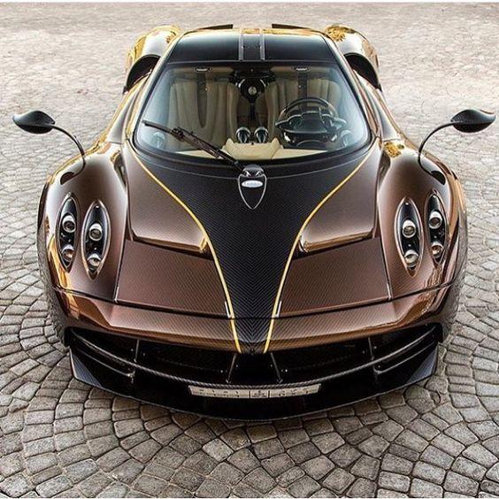 2016 Pagani Huayra. Superb machine but please .... brown?