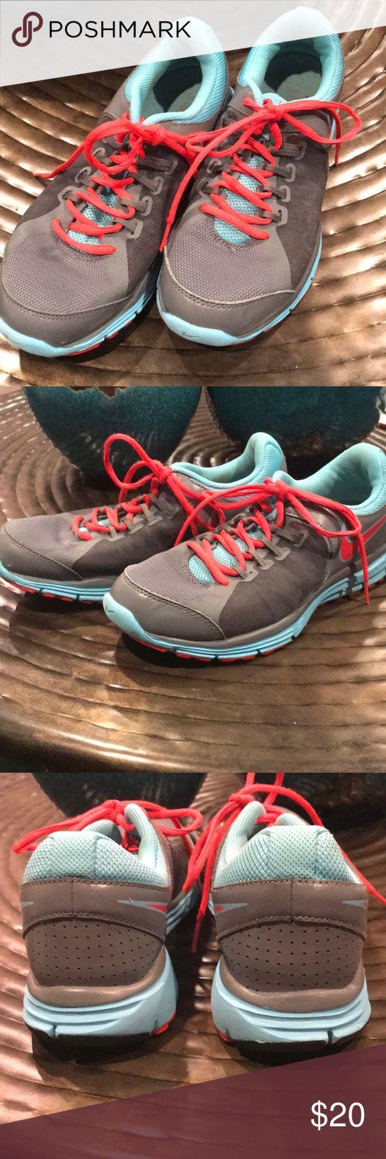 Women S Nike Fitsole Shoes Nike Nike Women Shoes
