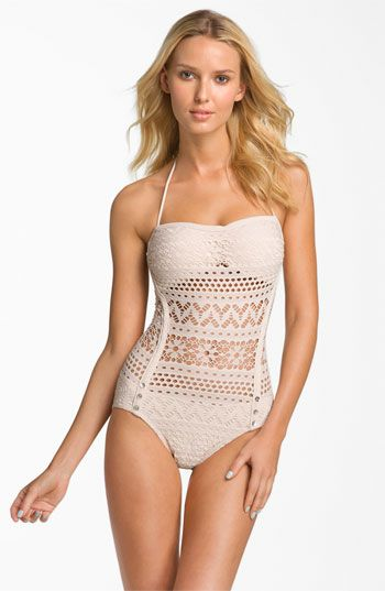 Now, THAT is a cute bathing suit.