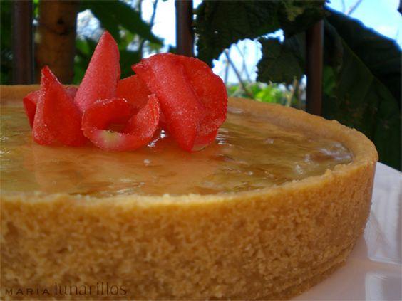 Tarta de queso y mermelada de petalos de rosa