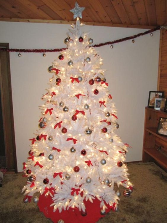 The balsam hill mount washington white christmas tree as for White christmas tree gold