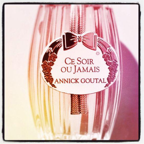 Rose capiteuse enivrée par la poire, ce soir ou jamais! #parfum du soir #AnnickGoutal #scent of the night