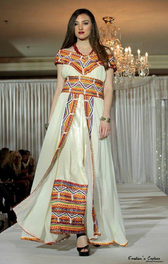 Robe kabyle robe kabyle pinterest caftans for Maison kabyle moderne