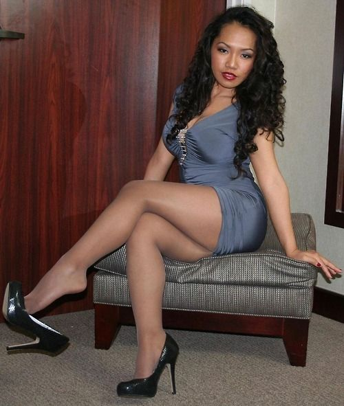 Wearing Hot Pantyhose Black 36