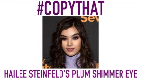 Who knew Hailee Steinfeld was such a glamour girl? Just take a gander at this plum shimmer eye she sported at a photo call for her latest film,The Edge of Seventeen. It's fresh, playful, and a look that anyone can wear no matter their age.
