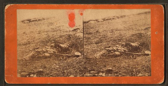 Dead_Union_soldier,_arm_torn_off_and_disemboweled,_from_Robert_N._Dennis_collection_of_stereoscopic_views.png (2737×1405)