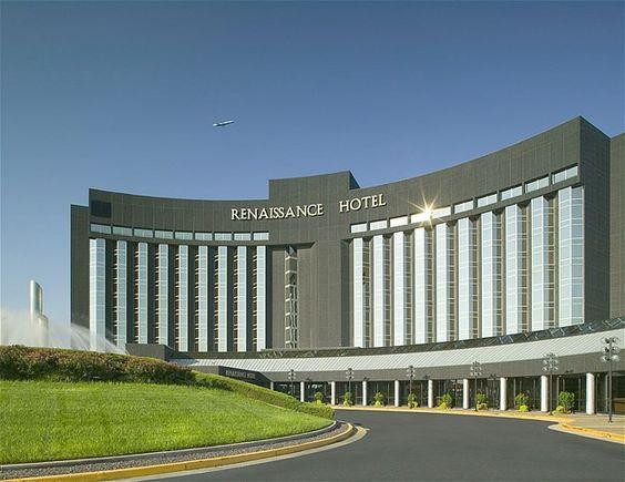 O Hotel Renaissance St. Louis foi usado nas gravações do filme 'Amor Sem Escalas', com George Clooney.