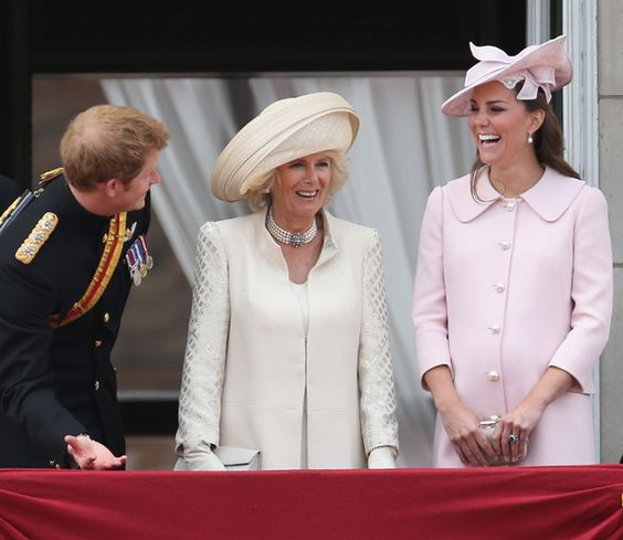 La Duquesa de Cambridge, de rosa pastel en su último acto oficial antes de dar a luz