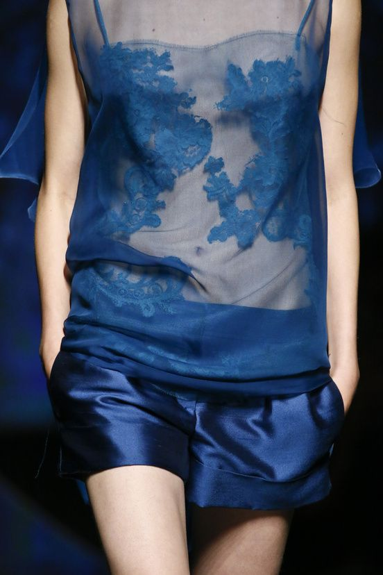 silky shorts! absolutely <3! by Alberta Ferretti, but I'd prefer a simply t-shirt upon :-)