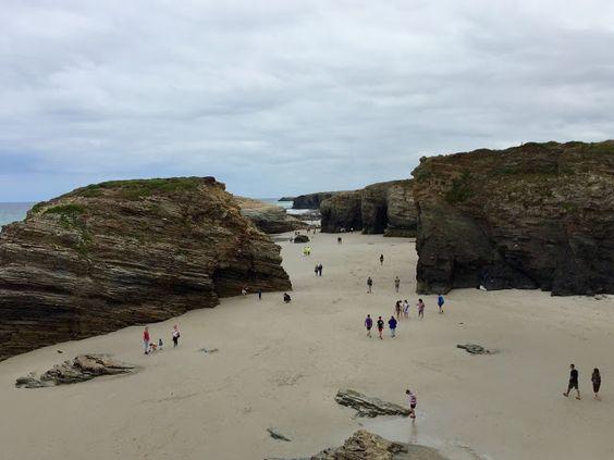 LES CASETES DE LA PLAYA: playa de las catedrales