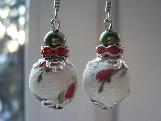 Sie sind einzigartig! Dieses Schmuckstück auch! Romantische Ohrringe - UNIKAT In Handarbeit hergestellt aus Stoff-Perlen mit Blumen/Rosenmuster &...