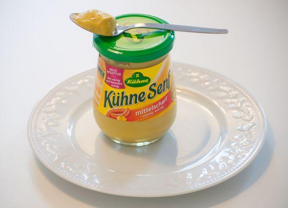 Der feinwürzig-cremige Geschmack des Senfs von Kühne passt einfach zu Allem. Ob zum Würzen und Verfeinern von Speisen oder pur zu Würstchen - einfach lecker!