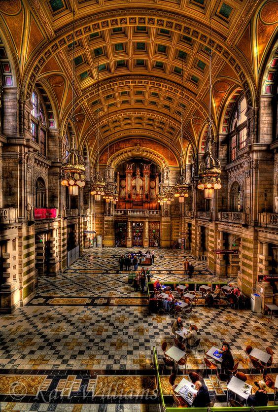 Main Hall, Kelvingrove Museum and Art Gallery, Glasgow, Scotland