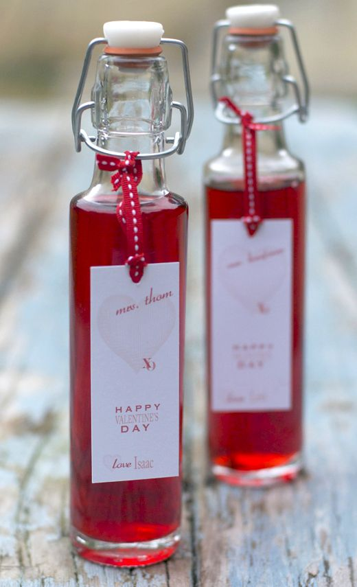 Homemade Raspberry Vinegar- cute Valentine's Day gift idea! via @urbanbaker