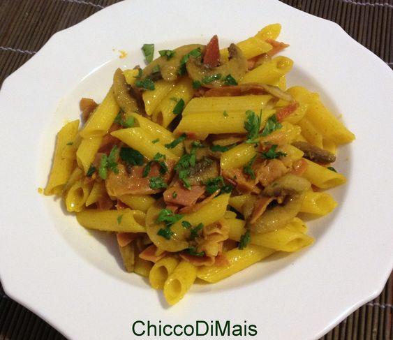 Pasta con zafferano funghi e speck ricetta primo il chicco di mais http://blog.giallozafferano.it/ilchiccodimais/pasta-con-zafferano-funghi-e-speck-ricetta-primo/