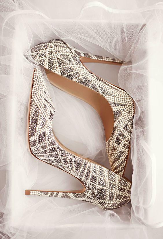 Ces chaussures...à prendre ou à laisser ? 🛒 1