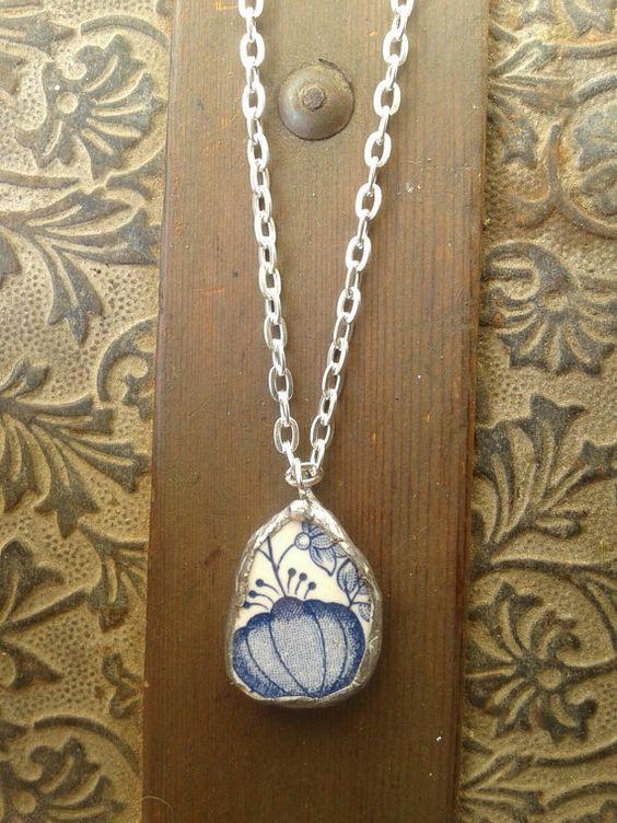 China Pendant and necklace di AzureJoyeria su Etsy