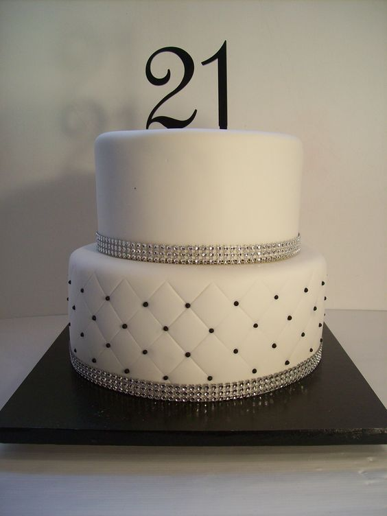 1000+ ideas about 21st Birthday Cakes on Pinterest 21 ...