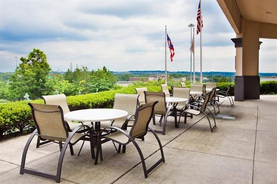 Hotel Deal Checker - Crowne Plaza Hotel Cleveland South - Independence