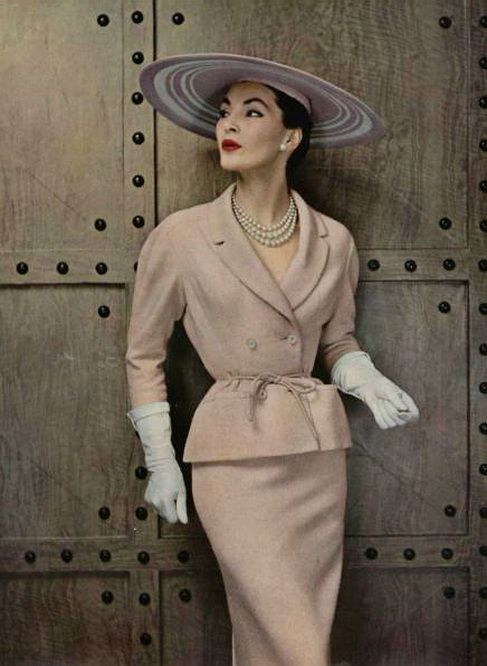 Pierre Balmain, 1954. Light in the Piazza: Now this is what Margaret Johnson should be wearing.