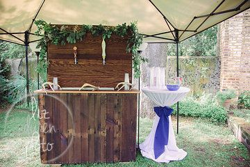 Help Yourself to a Cold One before the ceremony!   Beer stand   Southern Wedding   Charleston SC Wedding   Liz Duren Photography