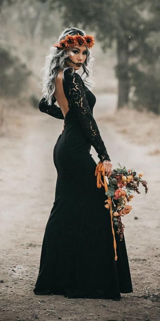 Black Unique Wedding Inspiration And Decor In 2020 Halloween Wedding Dresses Gothic Wedding Dress Wedding Dress Guide