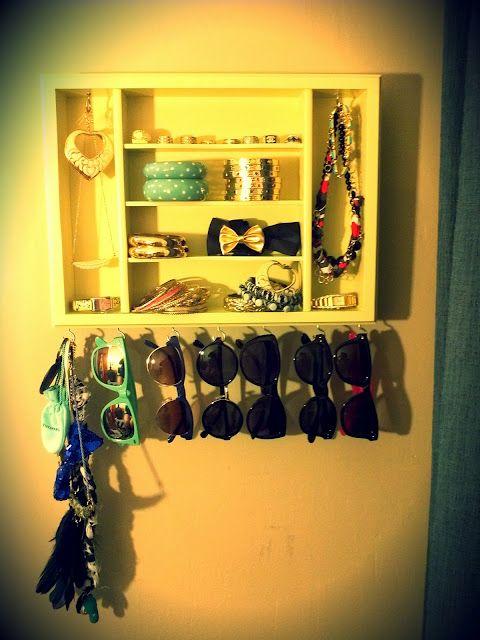 DIY: Accessory Organizer