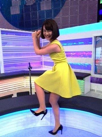 黄色の服が可愛い弘中綾香