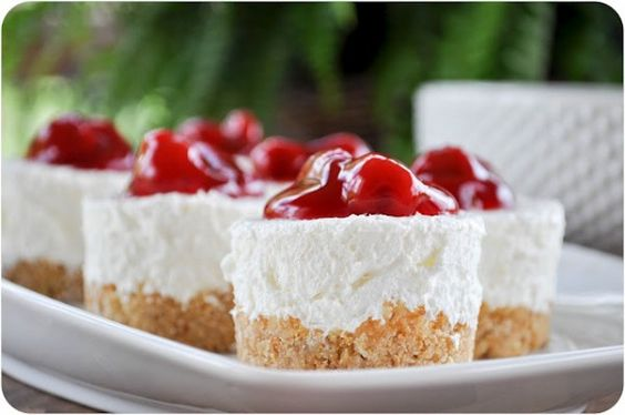 no-bake cheesecake with cherry topping