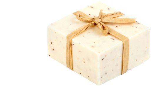 """""""Sapone di marsiglia: 10 utilizzi alternativi per la pulizia della case e della persona"""""""