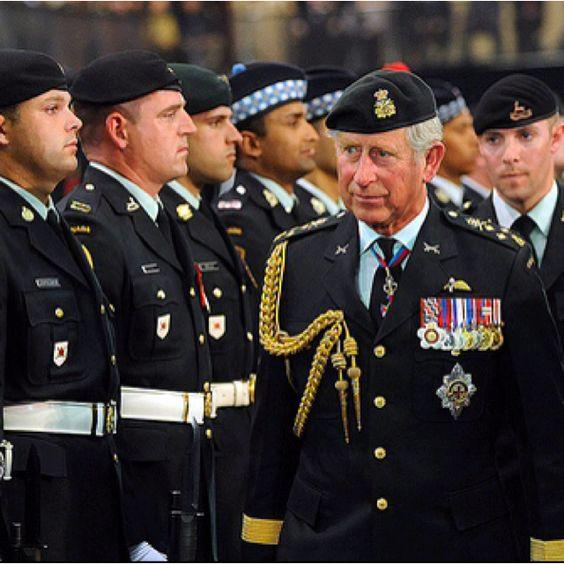 Army Uniform: Future A...