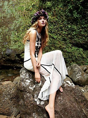 The sit on a rock and look like a fairy pose. Free people. #Fall #2011 #Free #People